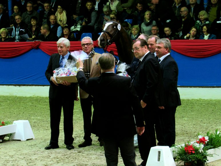 Presenting of Top Dressage Stallion : Left Paul Shockemohle
