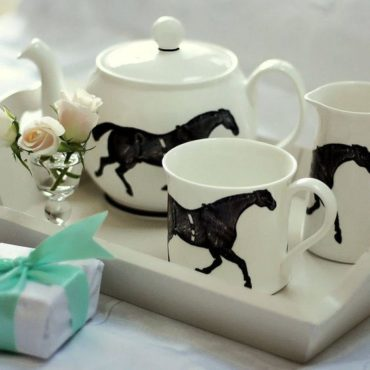 HOLIDAY: Monochrome Horse Tea Set